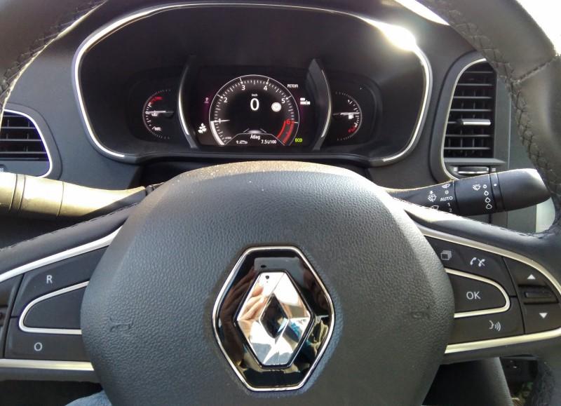 Renault Megane GrandCoupe - Tesztvilág